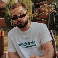 Влад Олейник